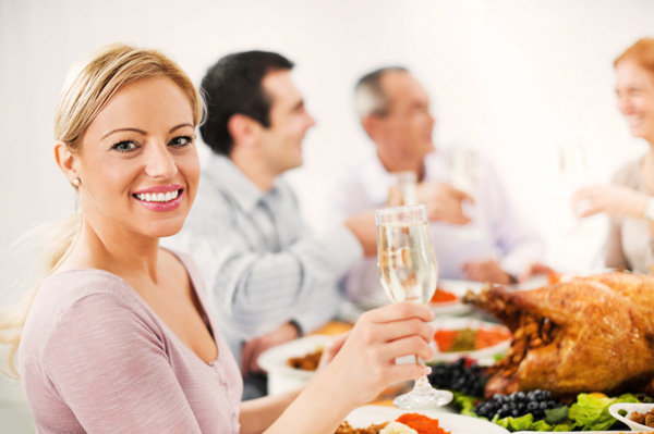 woman-champagne-thanksgiving